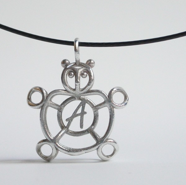 go_april_pendant_04b