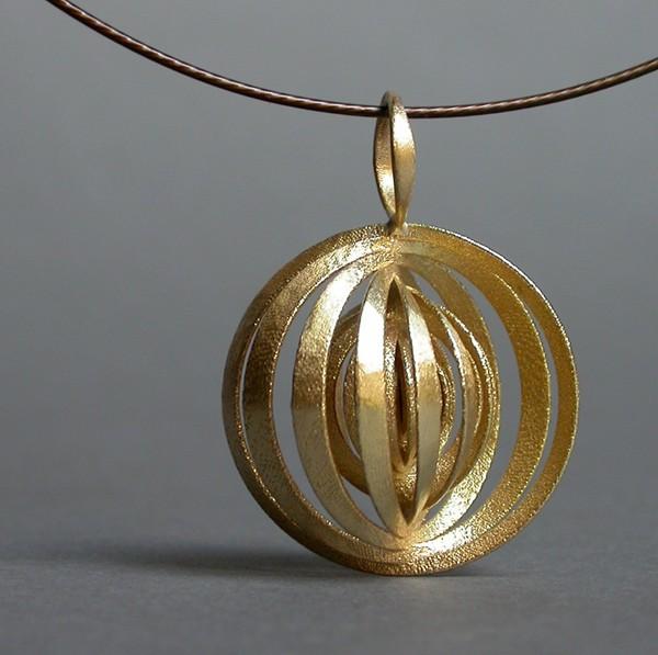 go_orbit_necklace_01