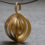 go_orbit_necklace_03