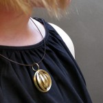 go_orbit_necklace_use_01