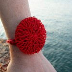 go_coral_bracelet_use_02