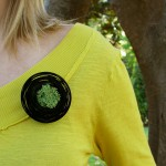go_nest_brooch_use_01